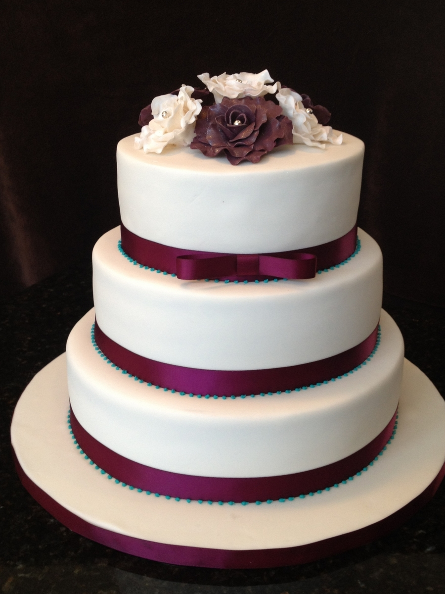 Round Wedding Cake on Cake Central