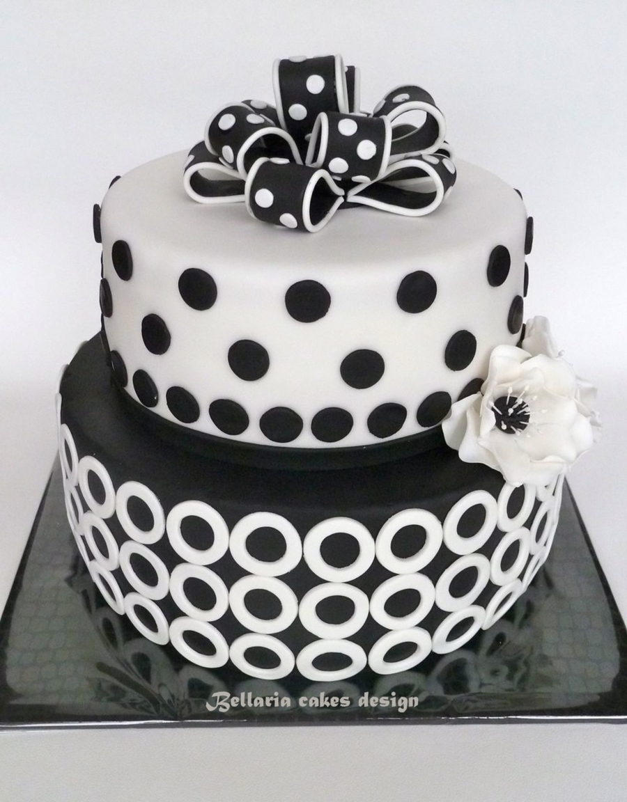 Birthday Cake Pictures Black And White : Black And White Birthday Cake - CakeCentral.com