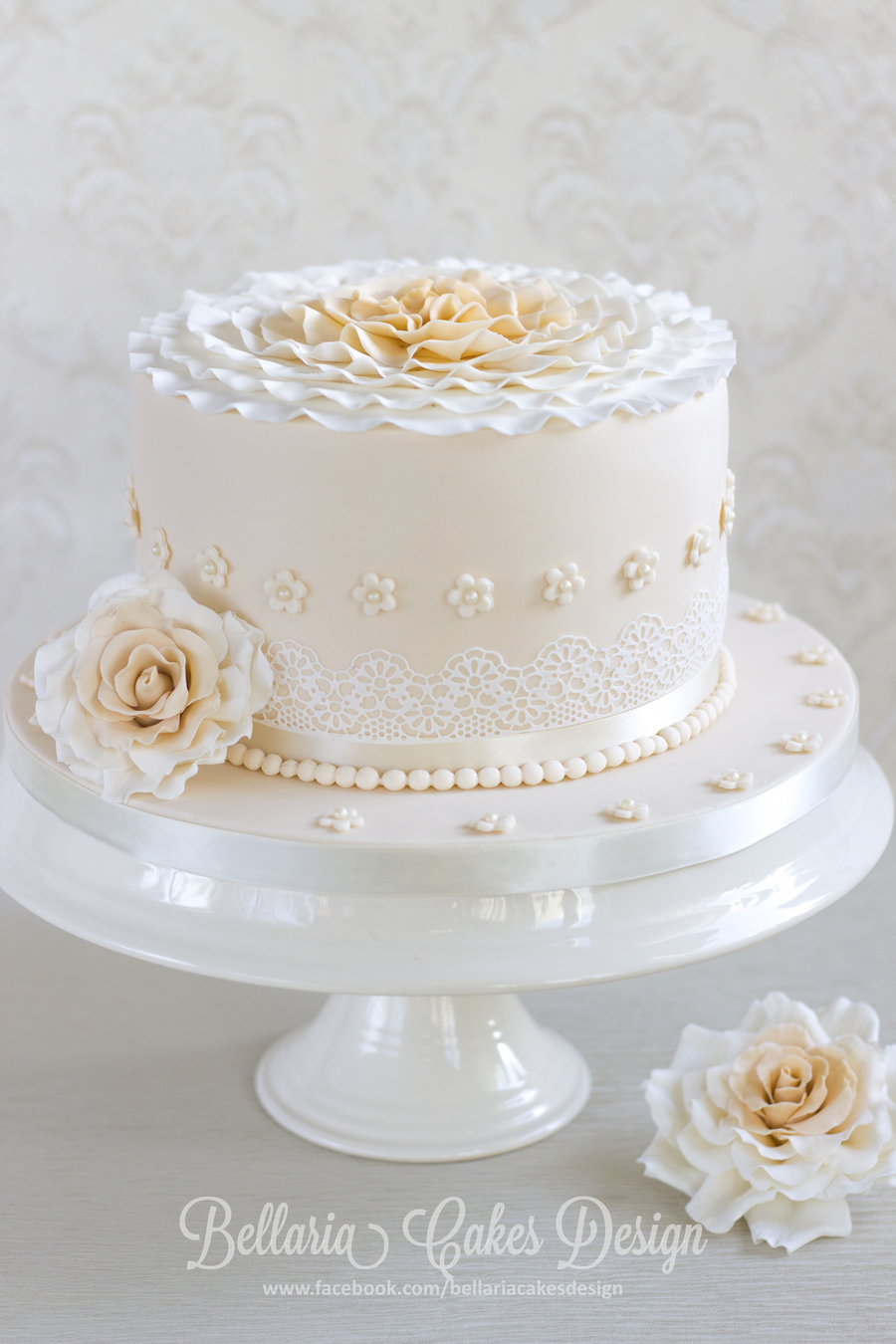 A 20th wedding anniversary cake for 50th wedding anniversary cake decoration ideas