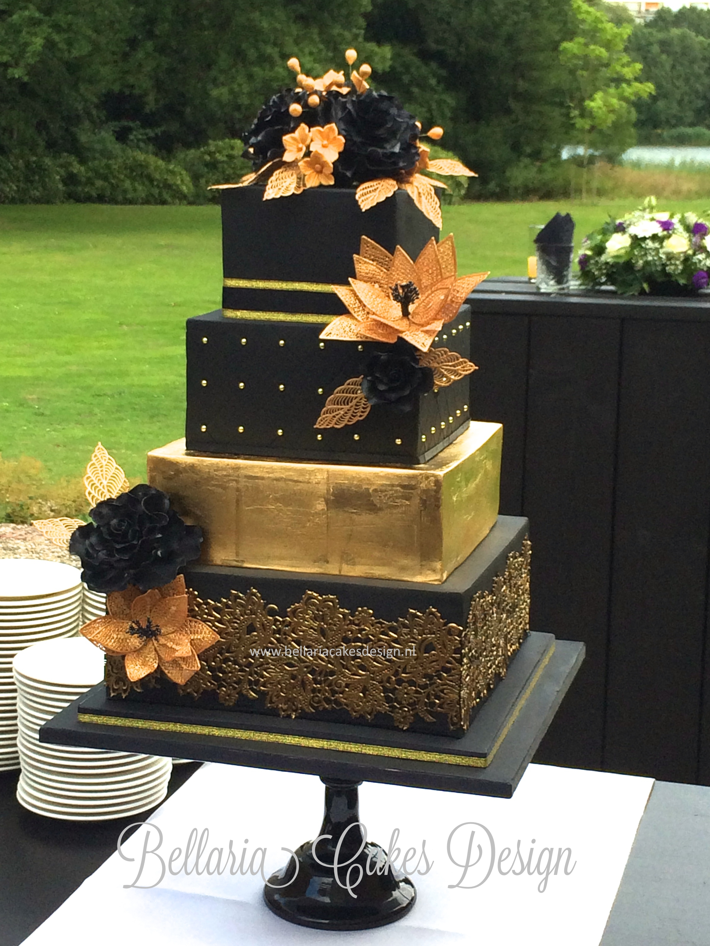 black and gold wedding cake pictures black and gold wedding cake cakecentral 11811