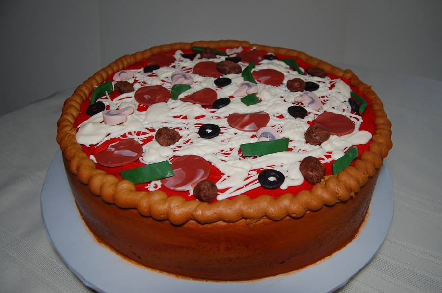 Deep Dish Pizza on Cake Central