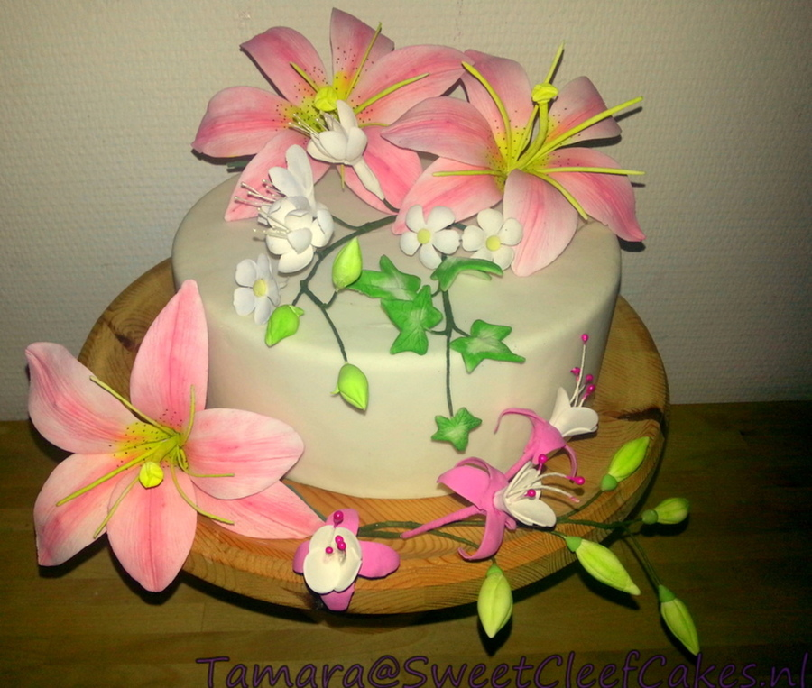 Selection Sugarflowers  on Cake Central