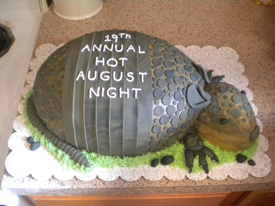 Armadillo Grooms Cake/hot August Nights on Cake Central