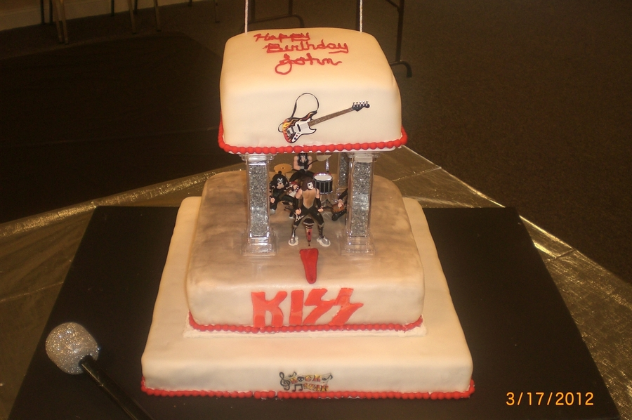 Kiss On Stage  on Cake Central