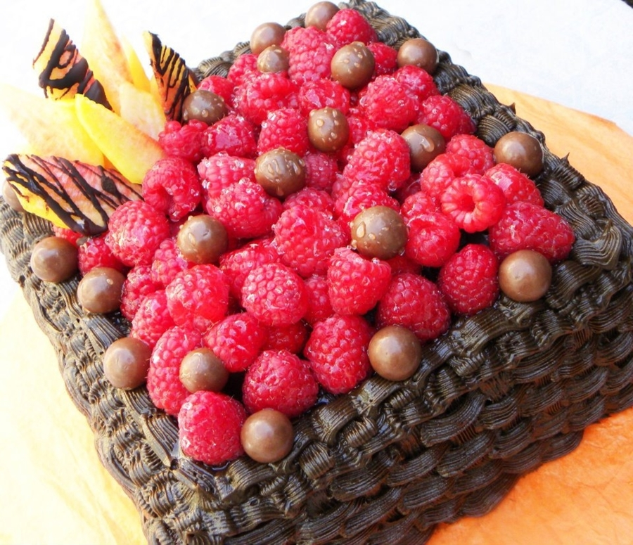 Fruit Chocolate Cake Images : Chocolate Fruit Cake - CakeCentral.com