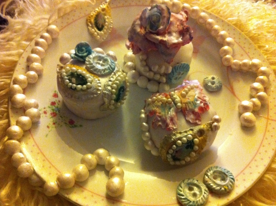 Vintage Mini Cakes on Cake Central