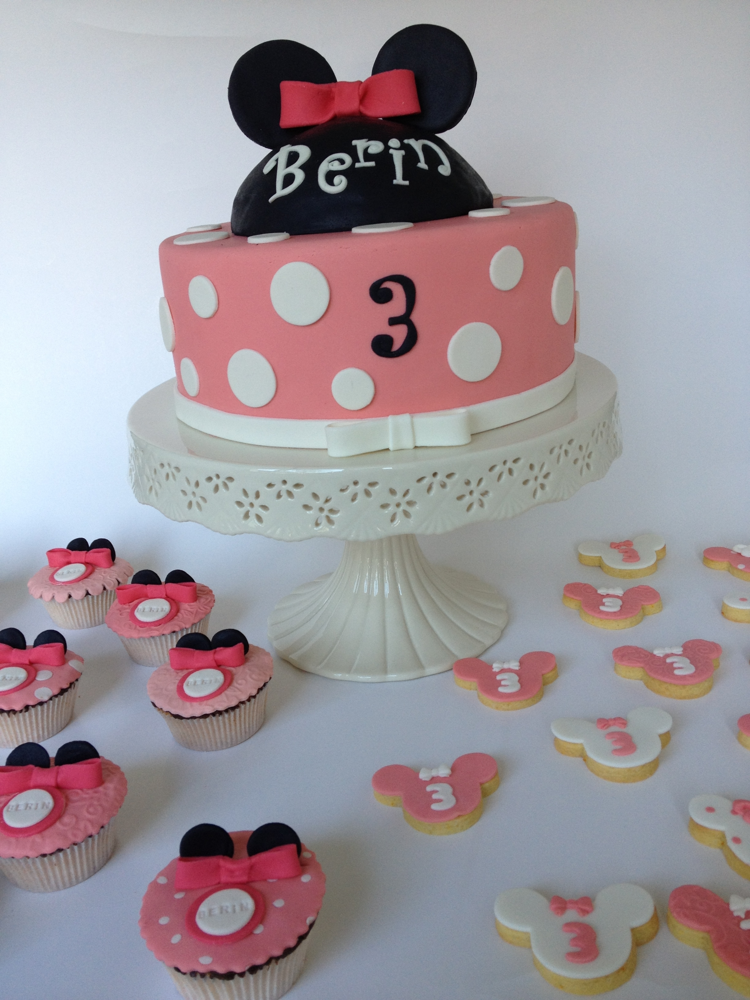 Excellent Minnie Mouse Cake Pink Polka Cupcake Cookie Ribbon Birthday Girly Personalised Birthday Cards Xaembasilily Jamesorg