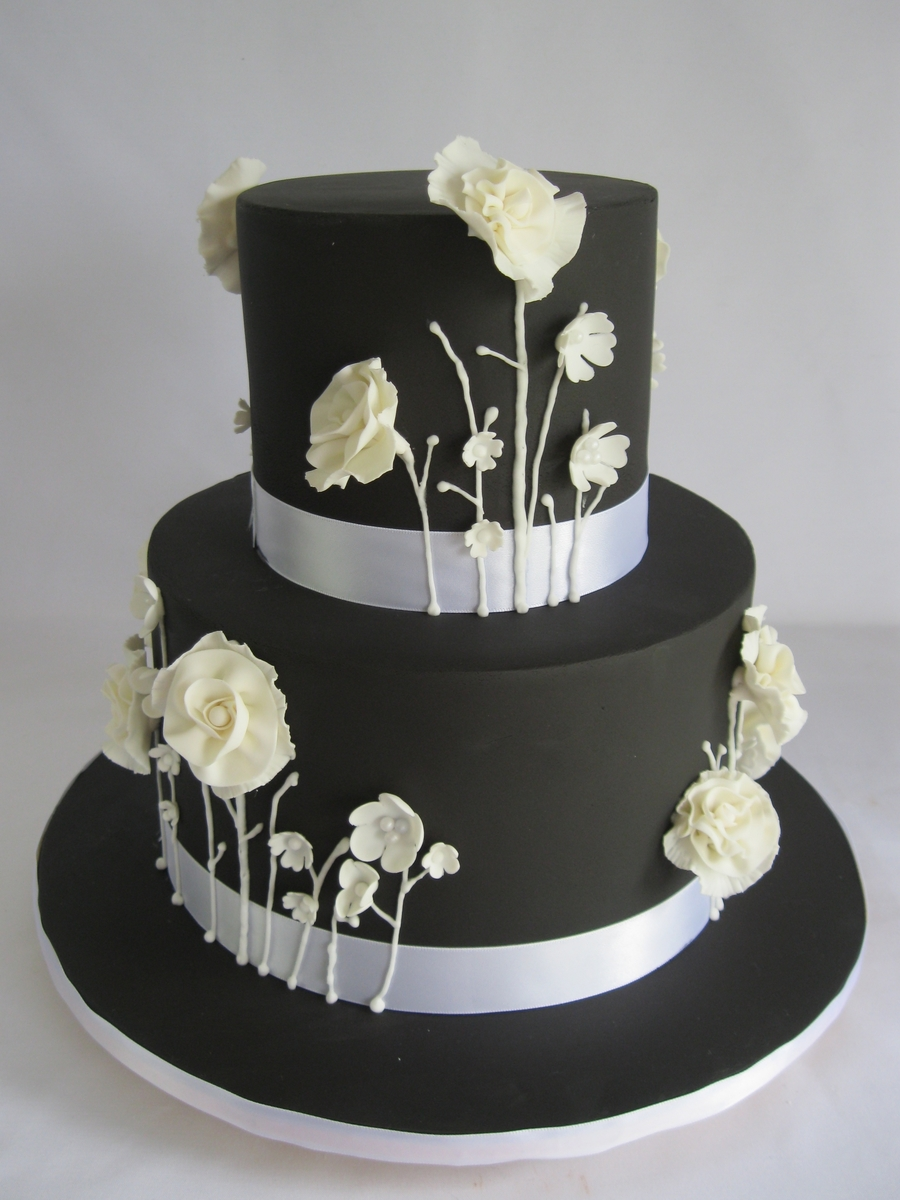 Black And White Wildflowers  on Cake Central