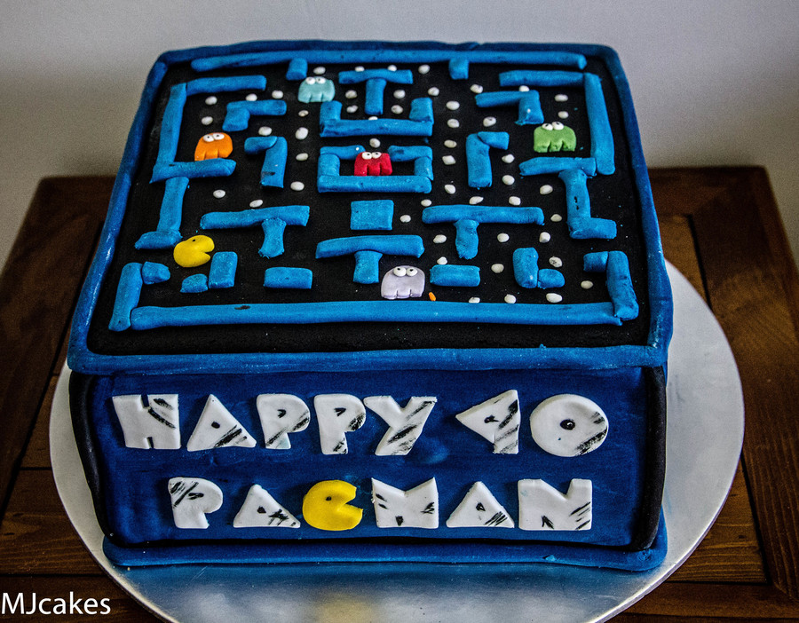 Pacman Cake on Cake Central