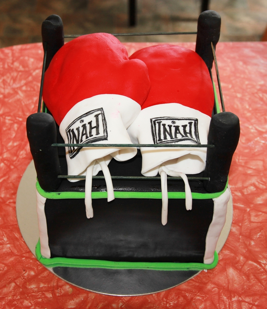 Inahs Boxing Cake on Cake Central