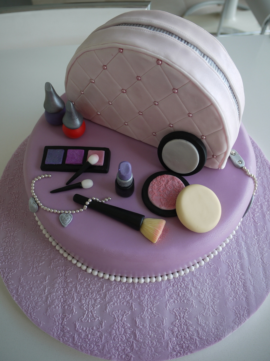 Vanity Case Cake Cakecentral Com