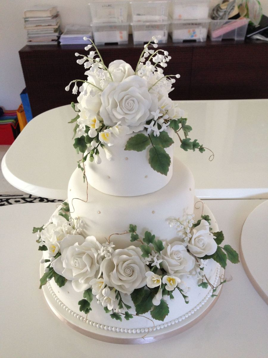 Sugar Flowers On Wedding Cake Cakecentral Com