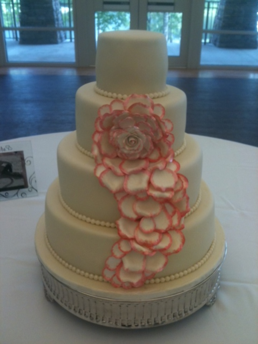 Cascading Blooming Rose on Cake Central