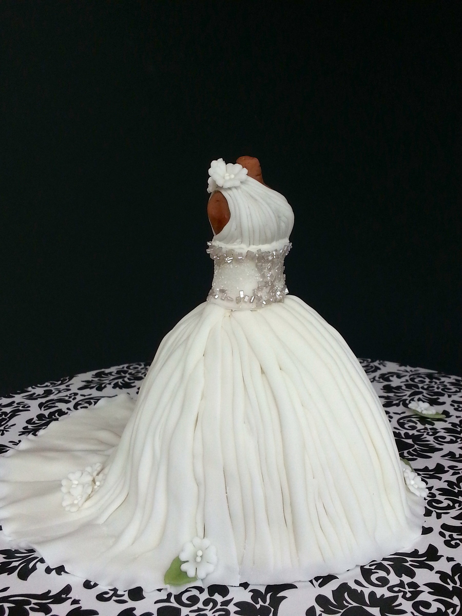 mini wedding dress cake