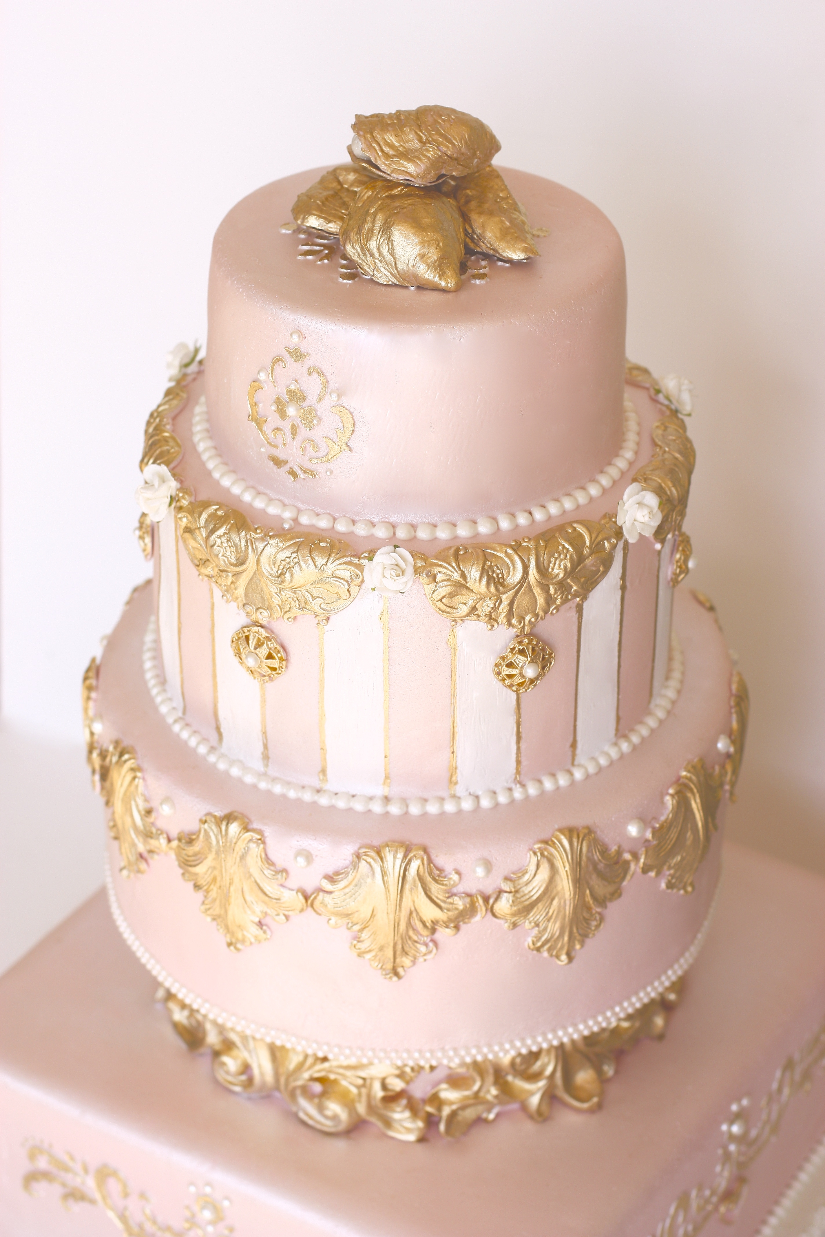 where can i buy pearl wedding cake vodka pink pearl amp gold wedding cake cakecentral 27134