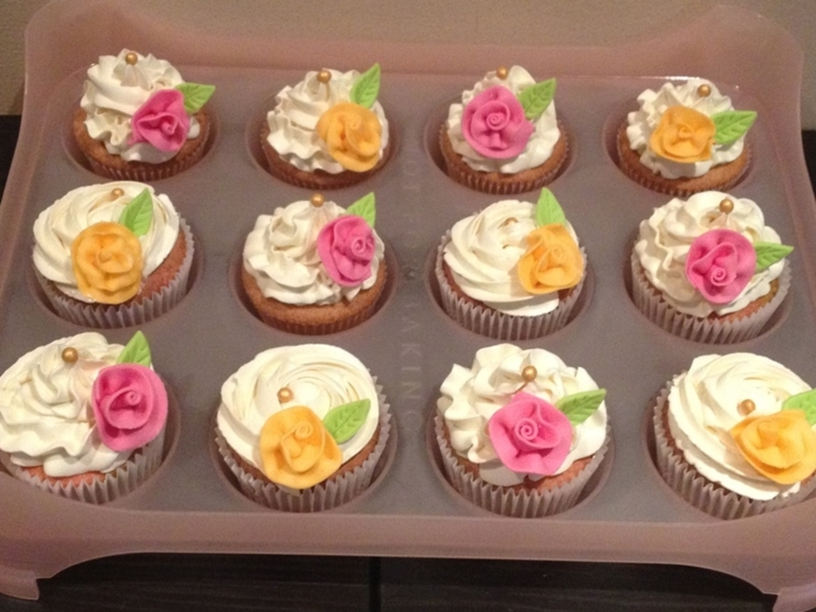 Ribbon Roses!!! on Cake Central