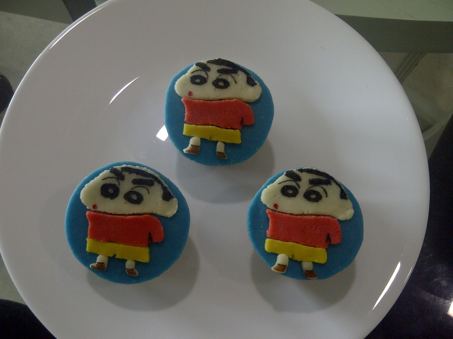 Shin Chan Cupcakes on Cake Central