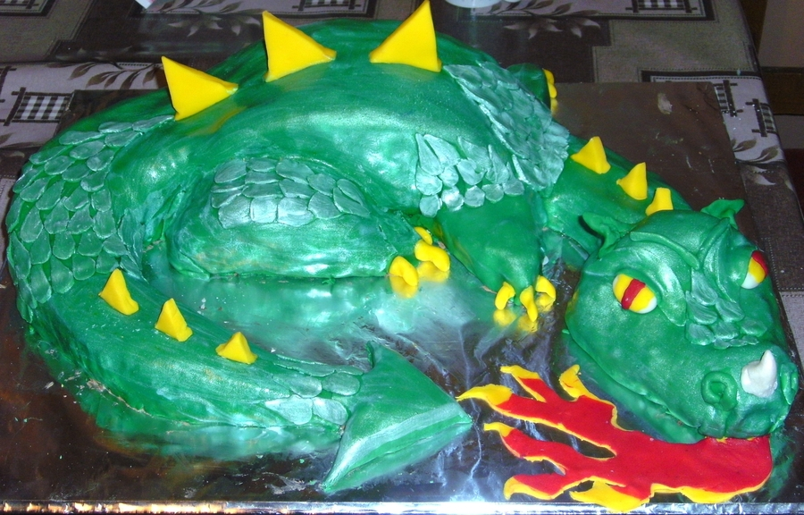 Dragon Cake  on Cake Central