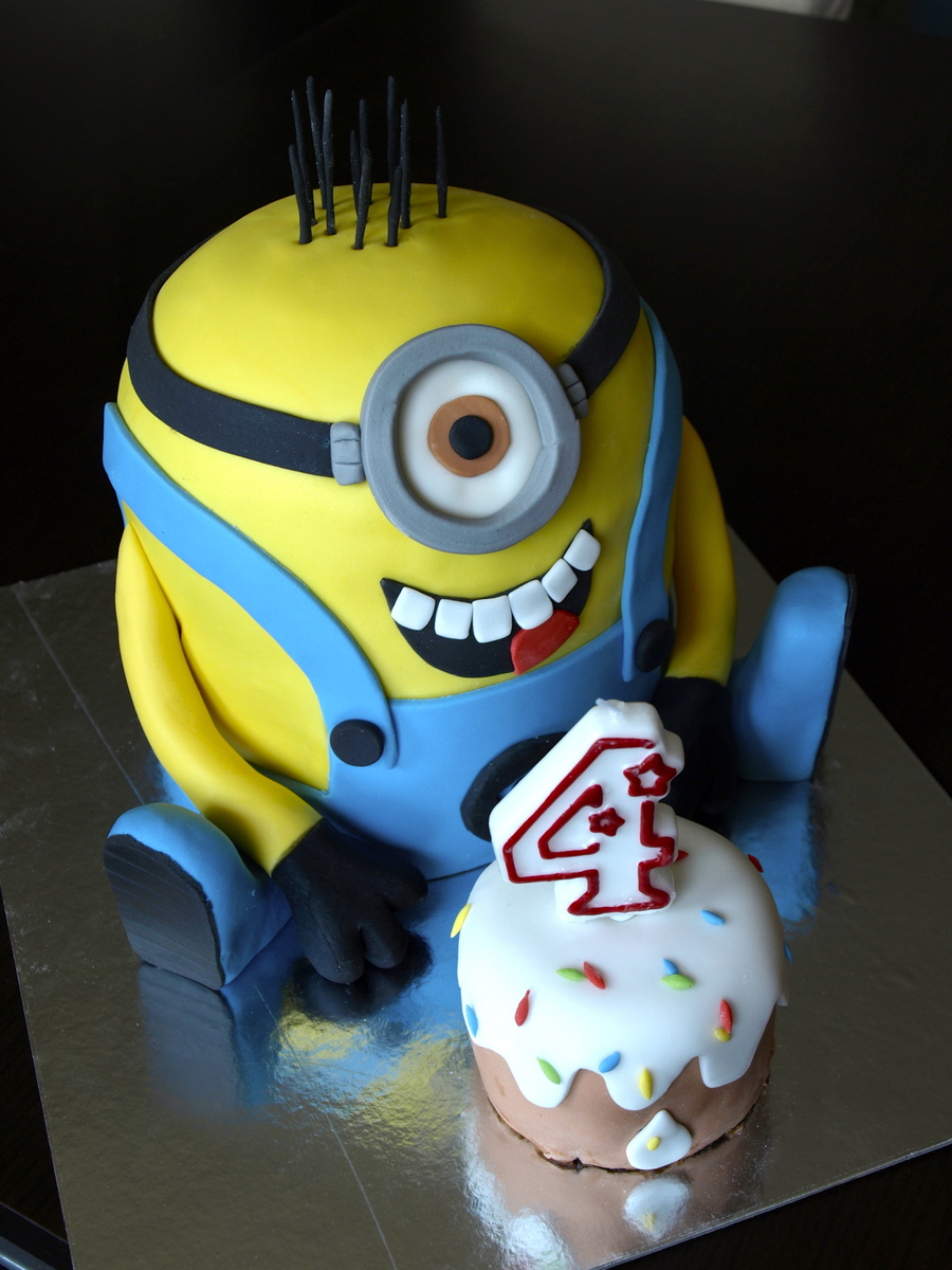 Minion Cake on Cake Central