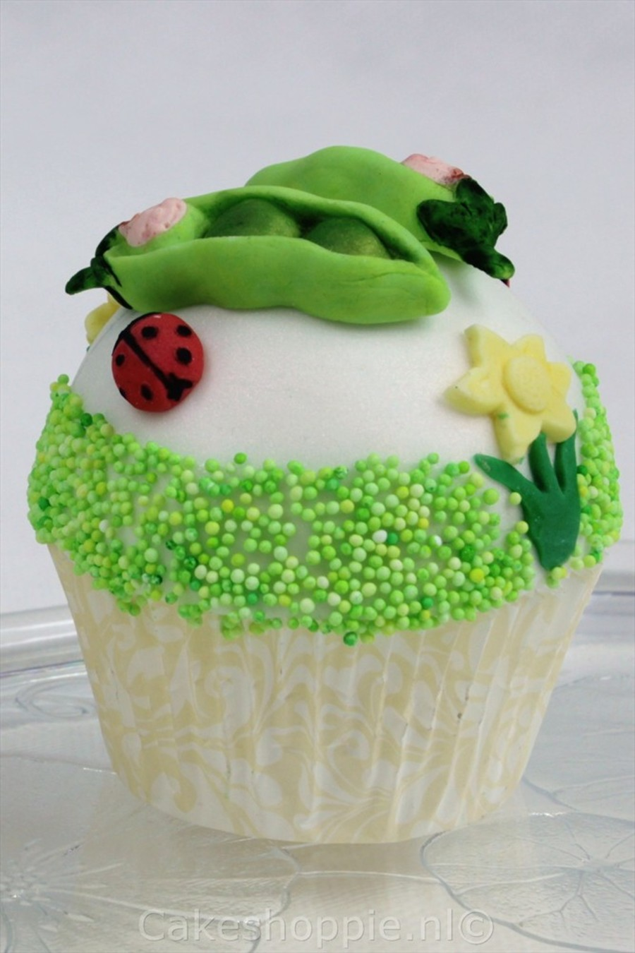 Peapod Cupake  on Cake Central