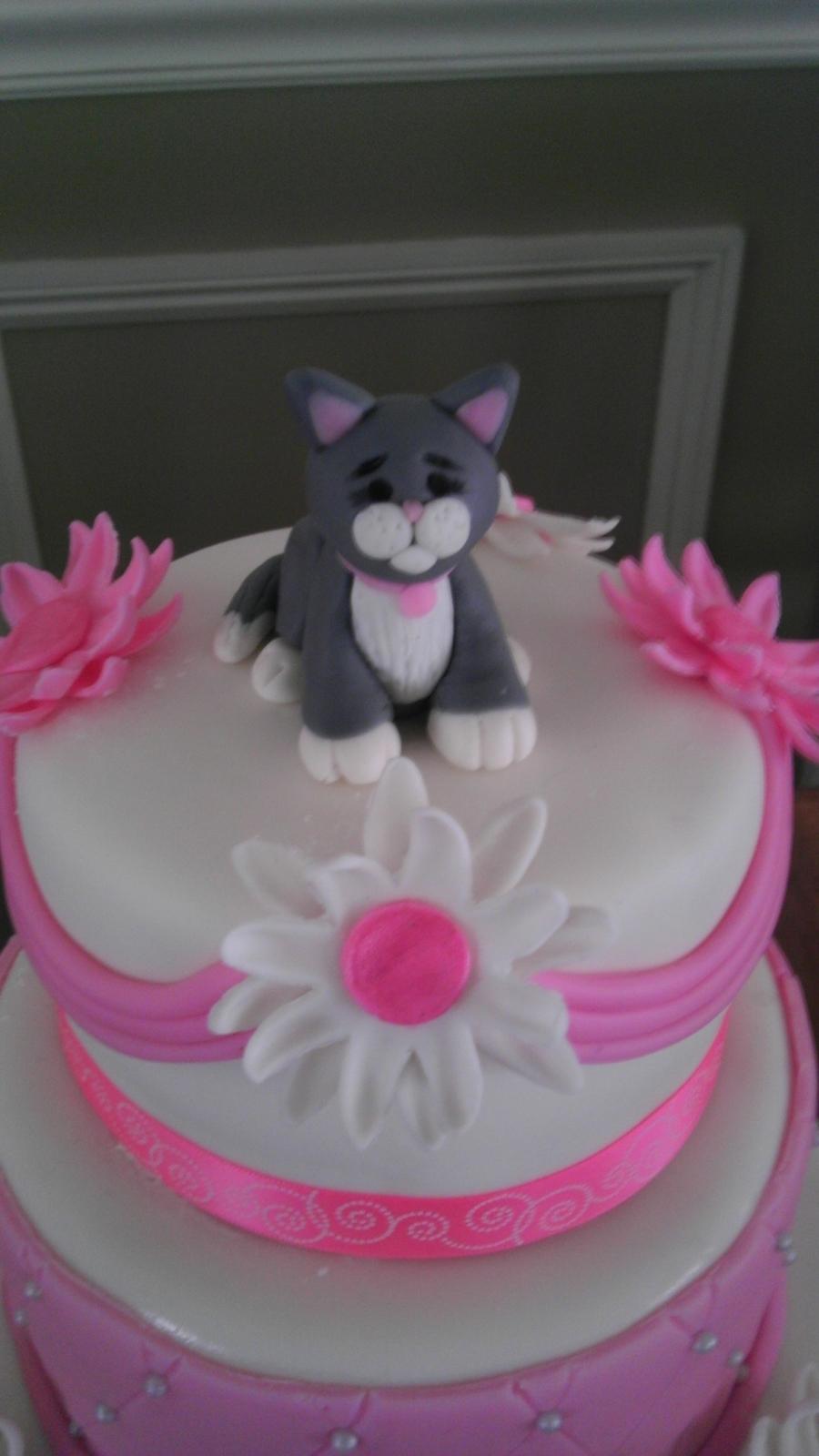 Cat Cake Topper - CakeCentral.com