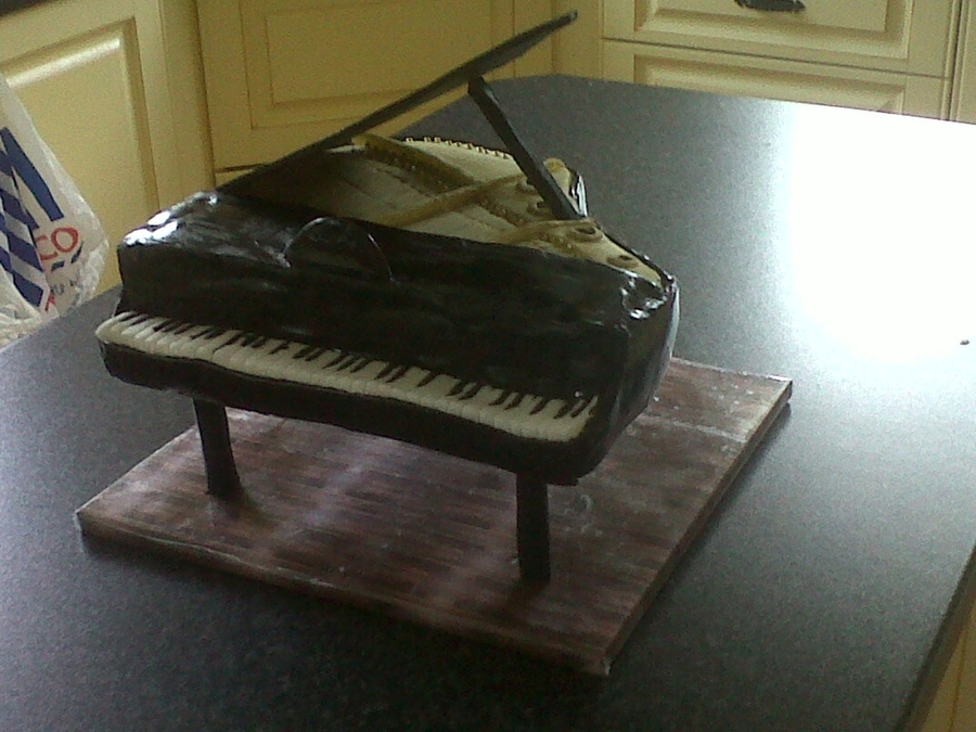 Grand Piano Cake on Cake Central