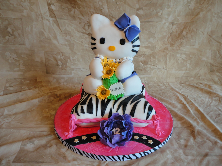 3D Hello Kitty Cake on Cake Central