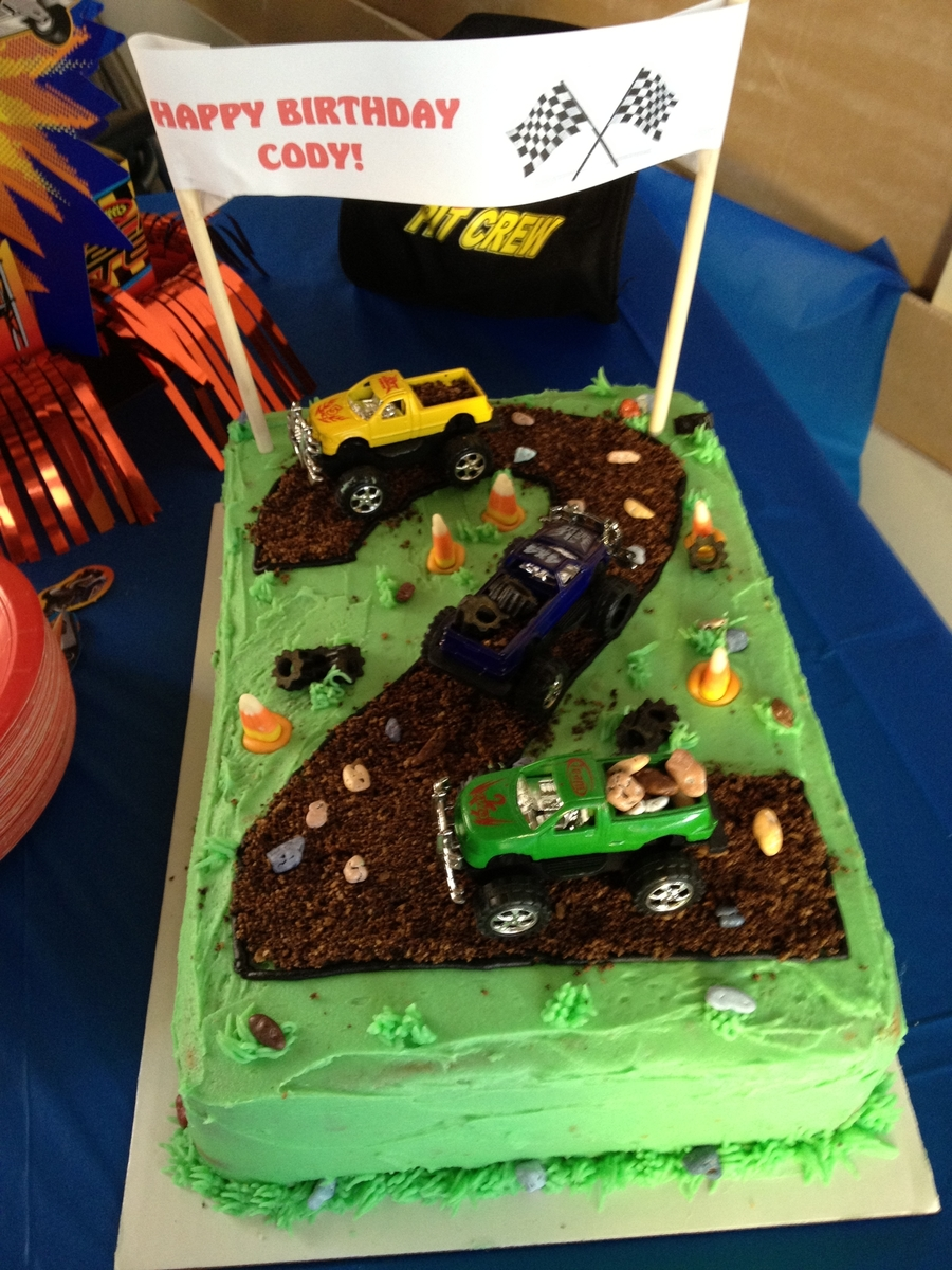 2 Year Old Birthday Truck Theme Cakecentral Com