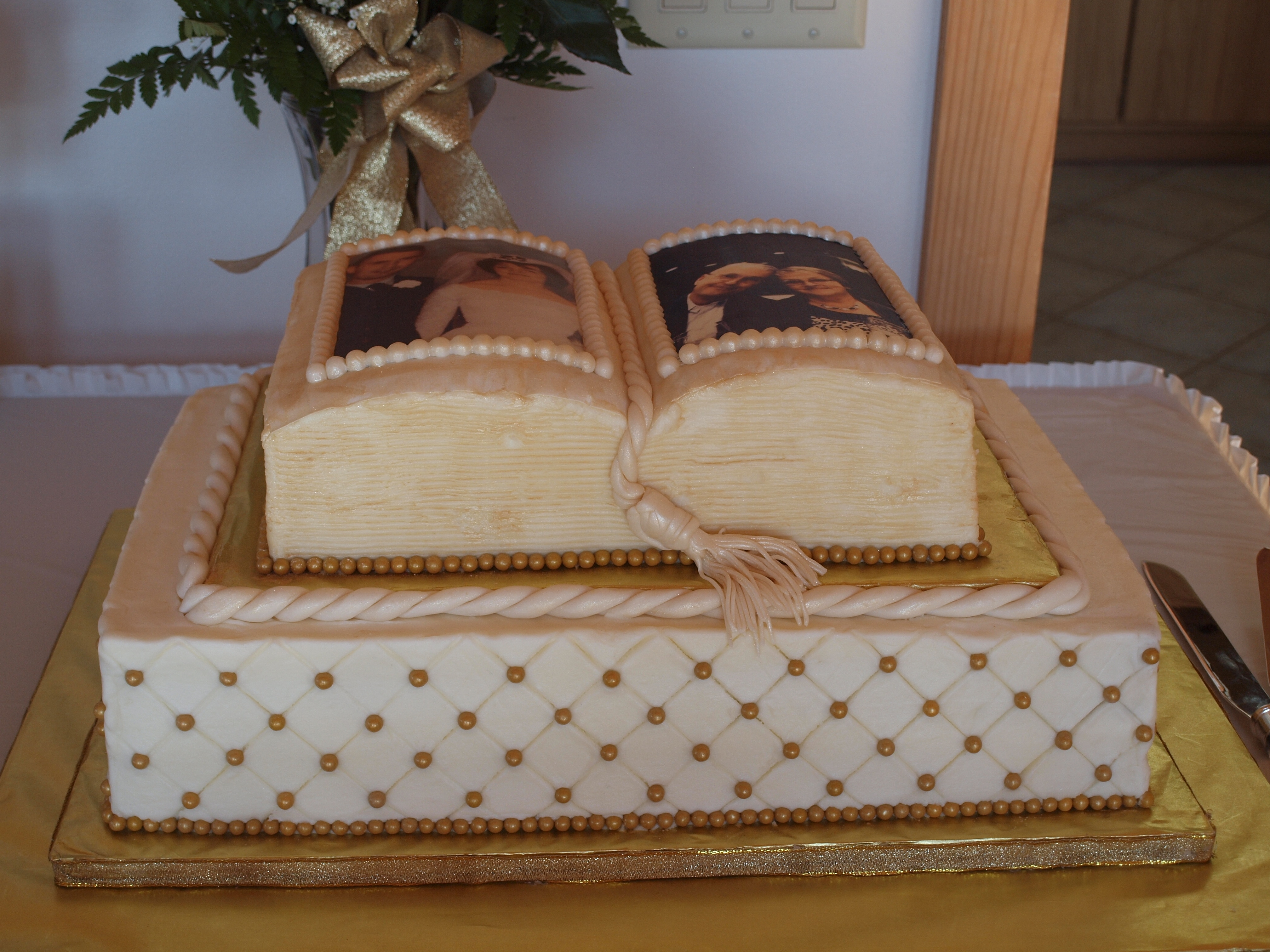 Th wedding anniversary cake this is a sheet cake with an