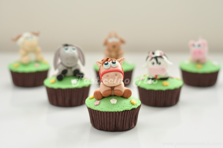 Cupcakes With Farm Animals on Cake Central