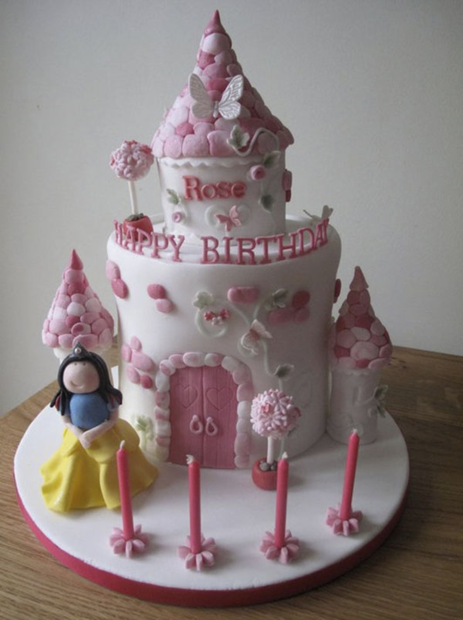 Snow White And Castle  on Cake Central