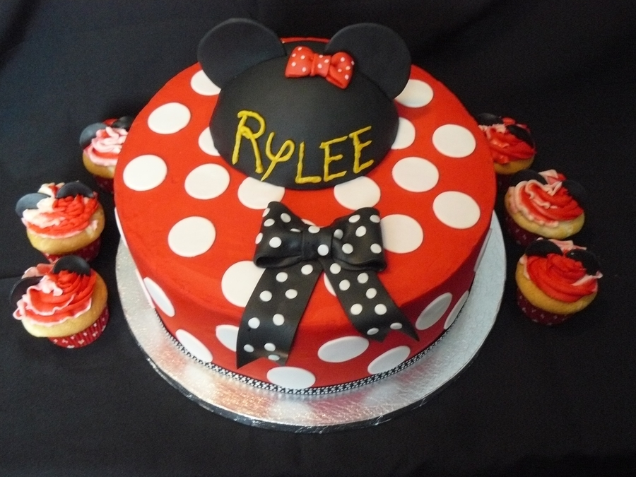 Minnie Mouse Style Cake  on Cake Central
