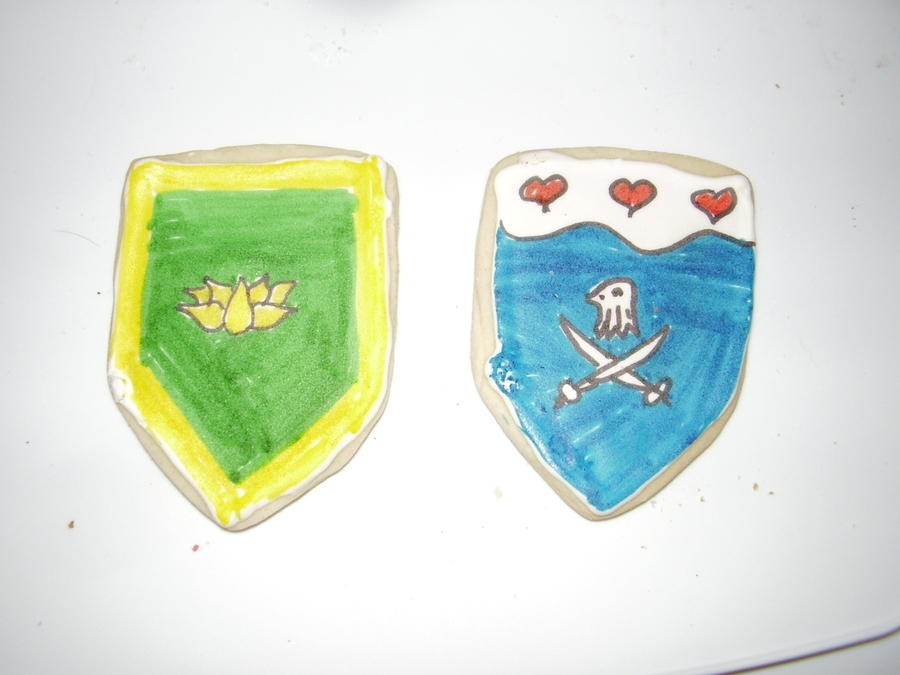 Medieval Heraldic Cookies on Cake Central
