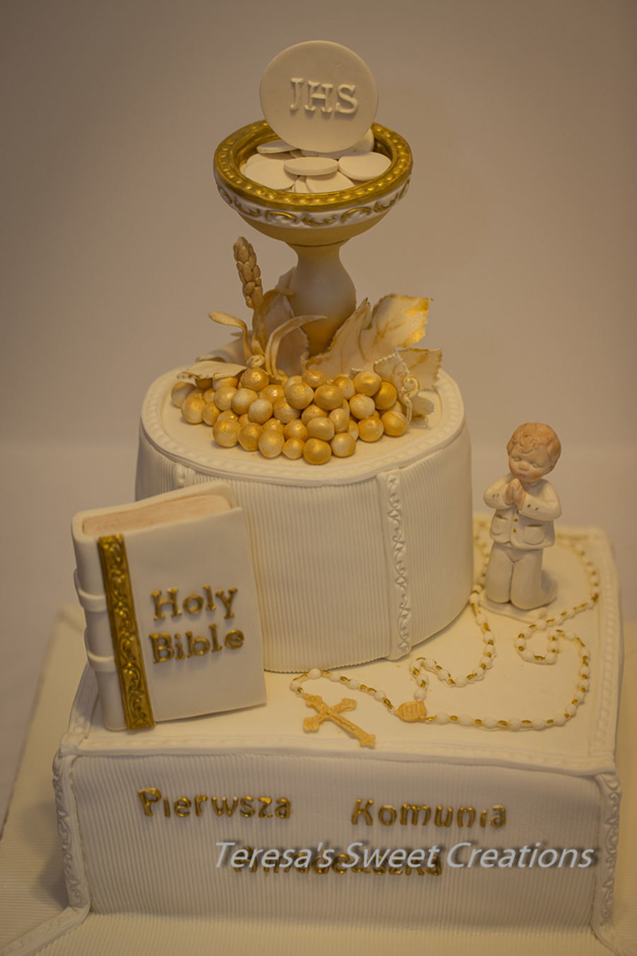 First holy communion cake with chalice and bible all for 1st holy communion cake decoration ideas