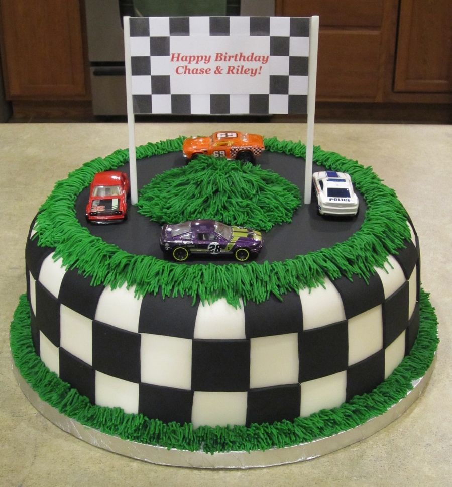 Cake Decorating Car Race Track : Race Car Track Birthday Cake - CakeCentral.com