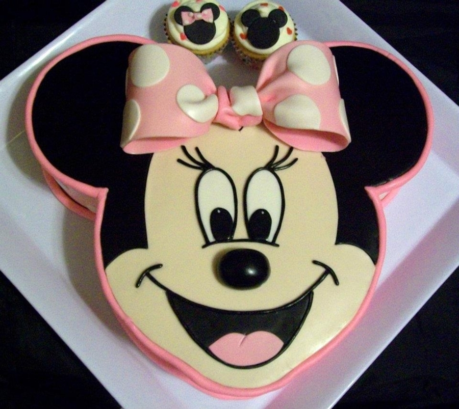 Mickey Mouse Face Cake Tutorial