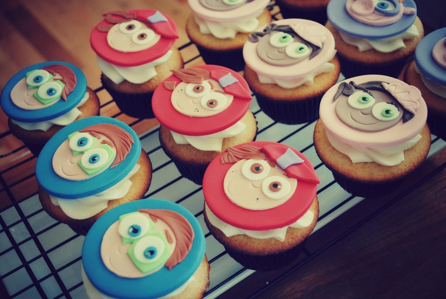 Admirable Super Why Birthday Cupcakes Cakecentral Com Funny Birthday Cards Online Elaedamsfinfo