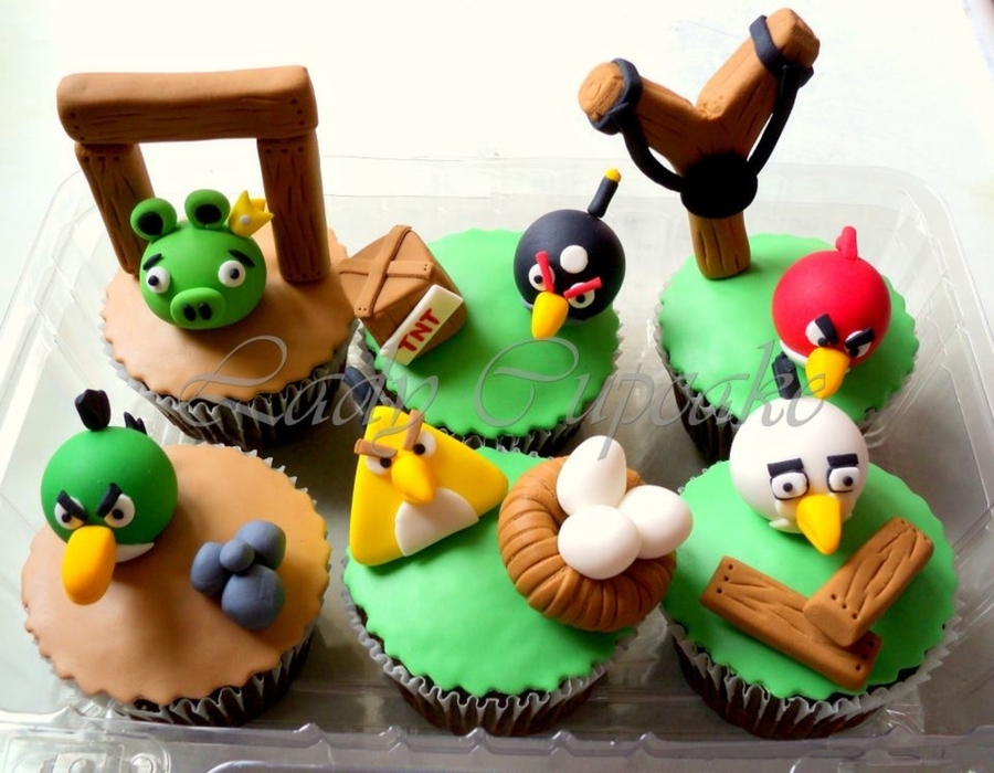 Angry Birds Cupcakes!!! on Cake Central