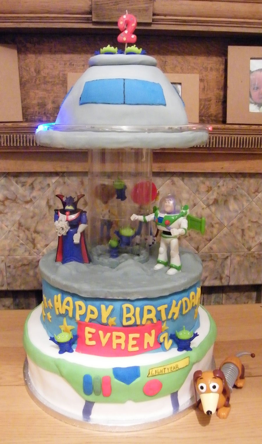 Toy Story Alien Ufo Invasion Spinning Musical Carousel Birthday Cake On Central