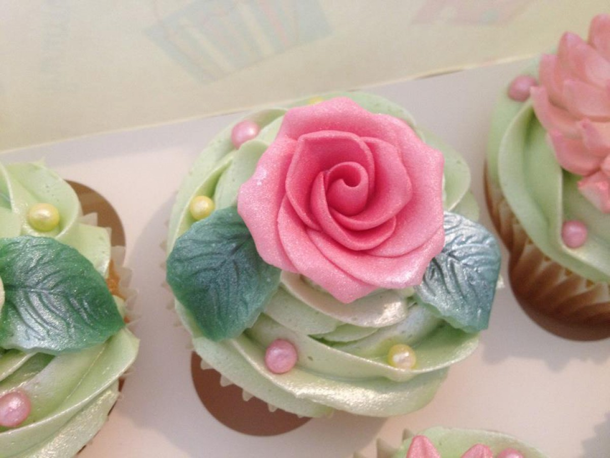 Pretty Green Pink And Yellow Flower Cupcakes Cakecentral