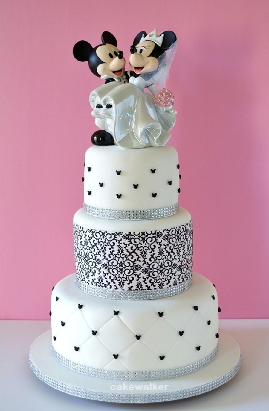 Anniversary Wedding Cake Tradition