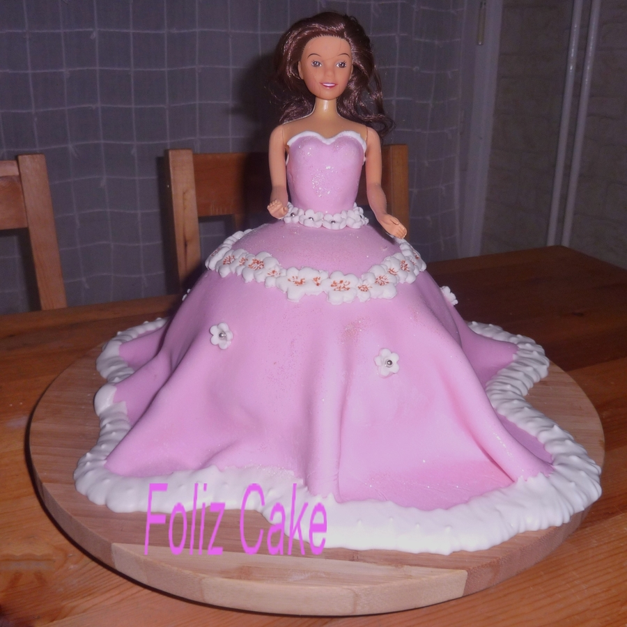 Gateau Barbie  on Cake Central