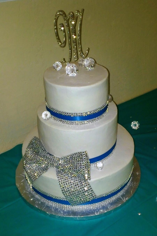 bling bling wedding cake wbling bow. Black Bedroom Furniture Sets. Home Design Ideas