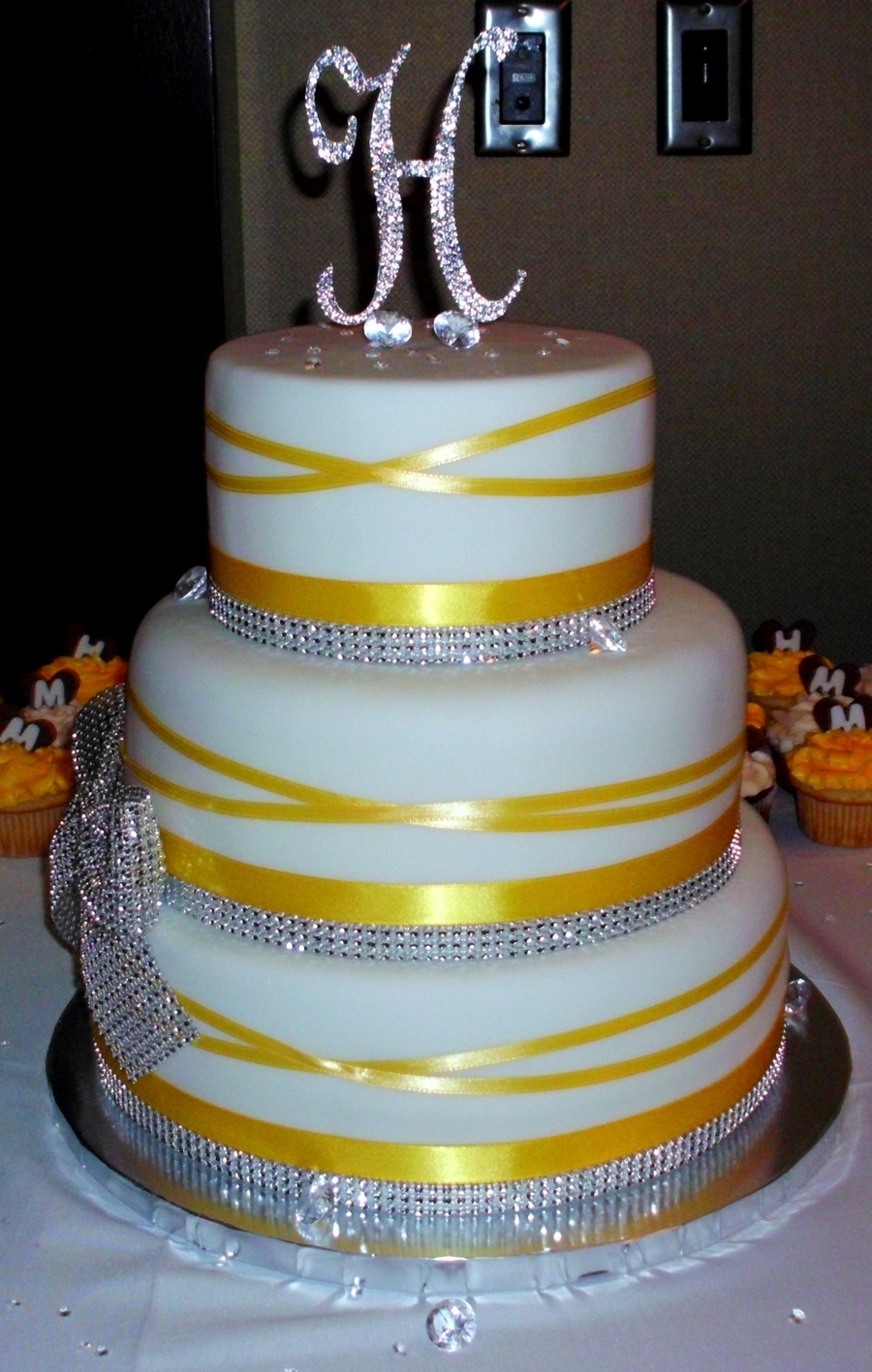wedding cake with bows and bling bling bling wedding cake wbling bow cakecentral 26837