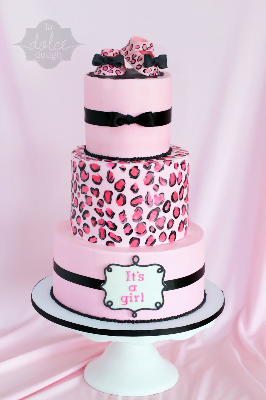 900_882490tB0K_leopard-cheetah-baby-shower-cake-its-a-girl Pink Safari Baby Shower Cake