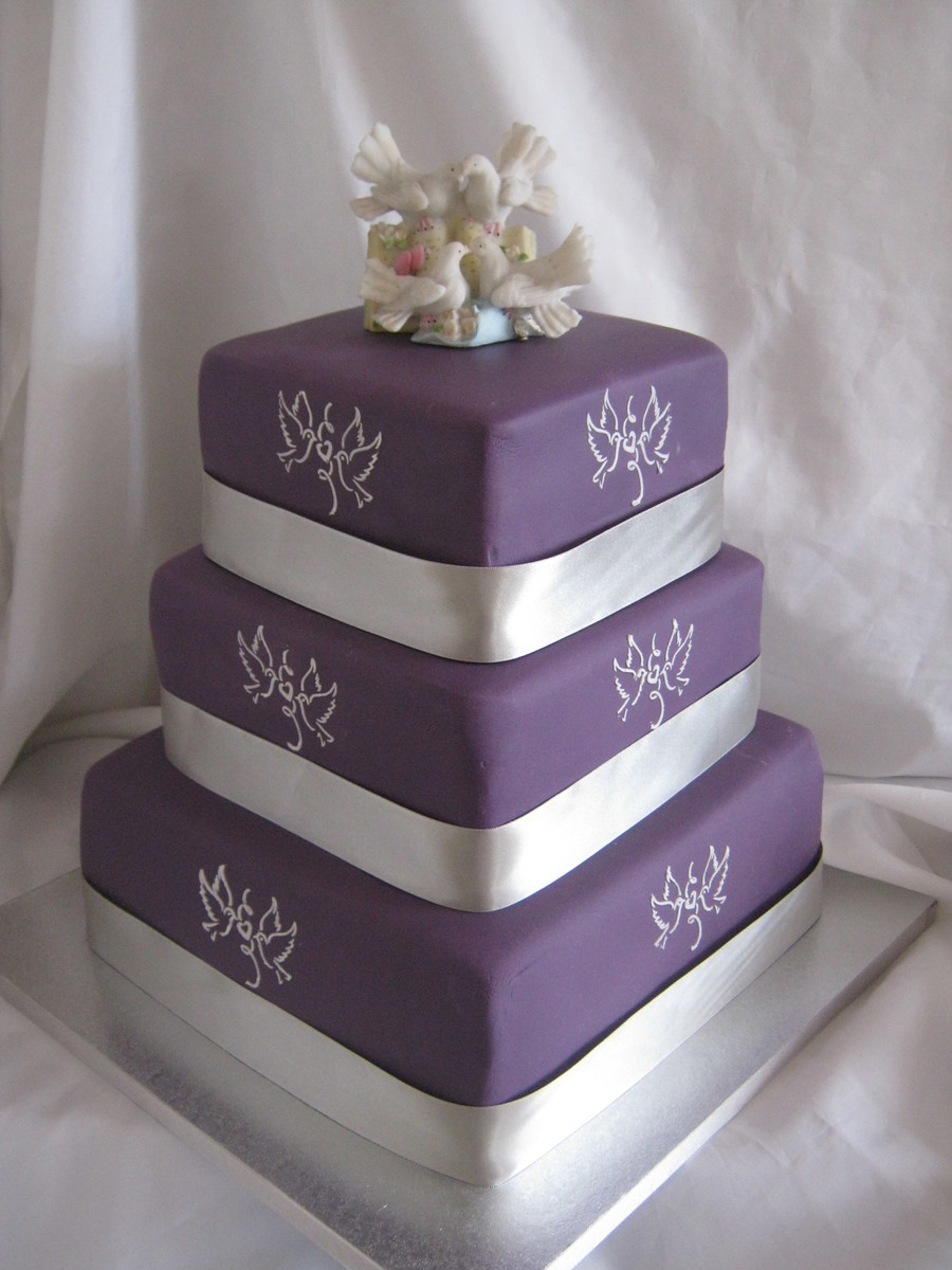 The Wedding Cake I Made For A Friend My 1St 3 Tier Wedding Cake It Had To Travel 3 Hours And I Was Very Nervous But It Made It Safe And on Cake Central