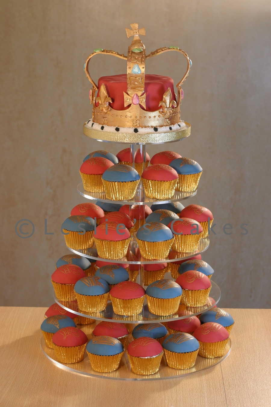 Queen S Diamond Jubilee Crown Cake Cakecentral Com