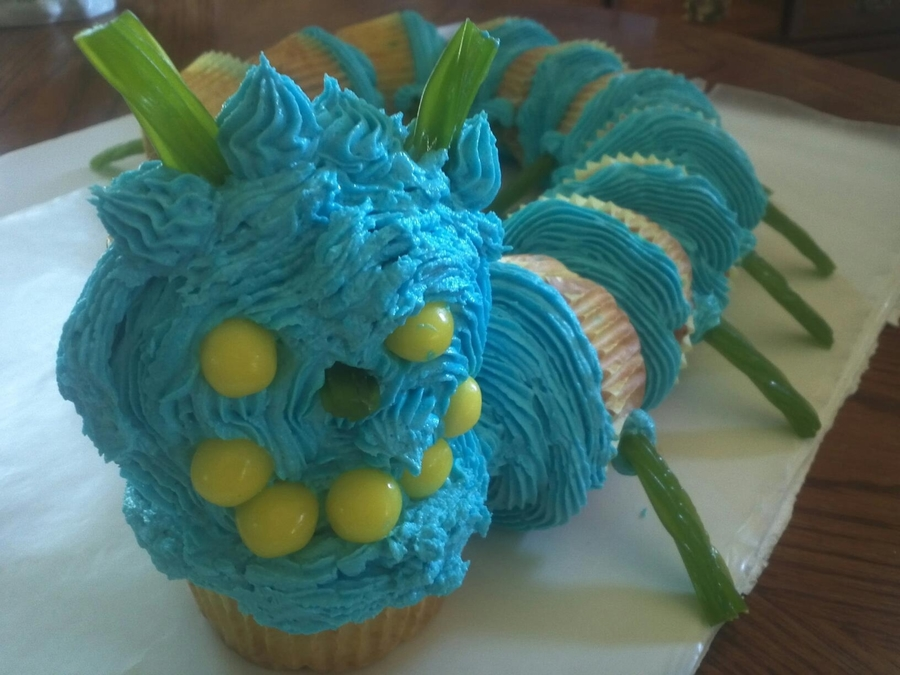 Cupcake Catapillar on Cake Central