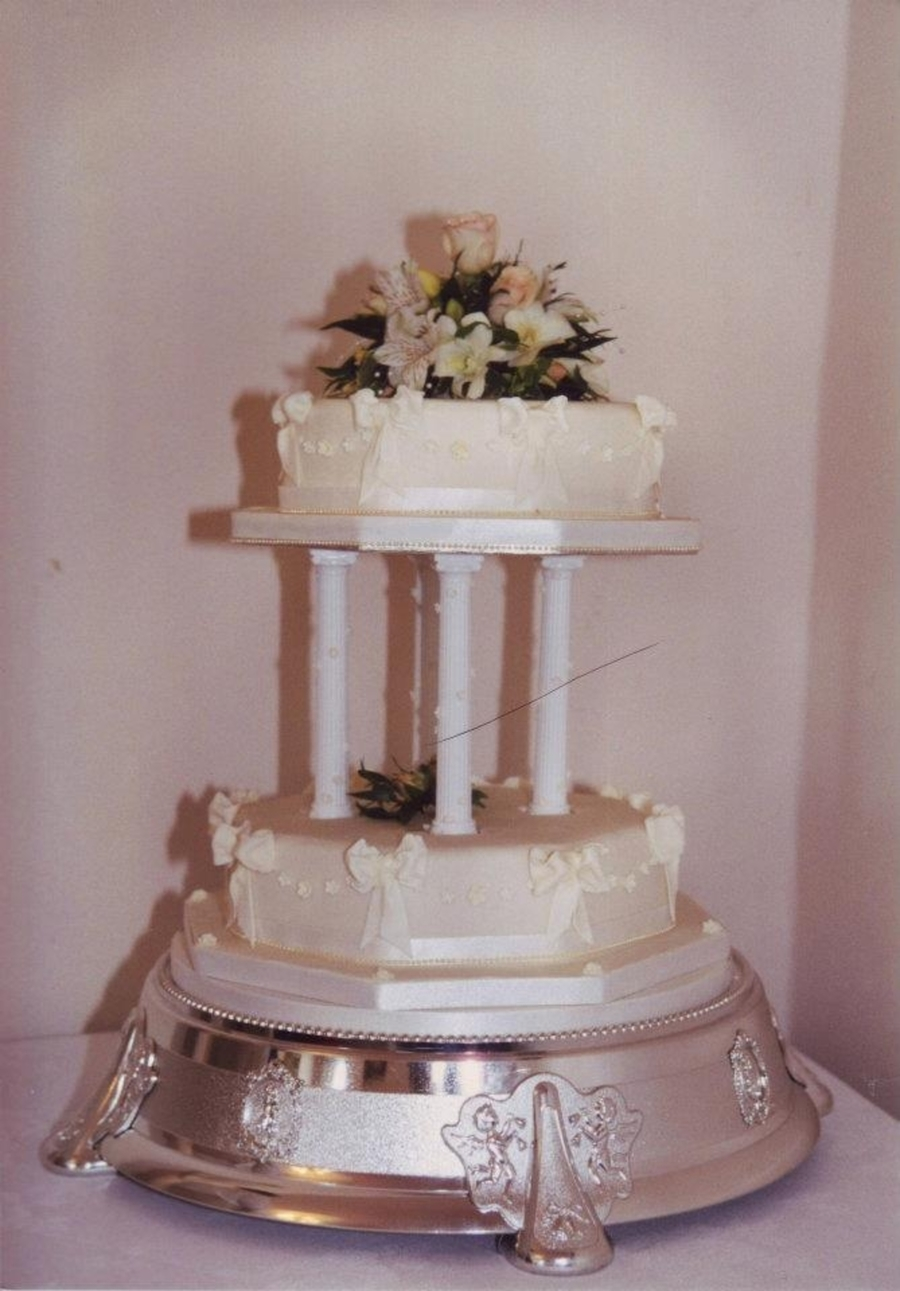 Octagon Bow Wedding Cake on Cake Central