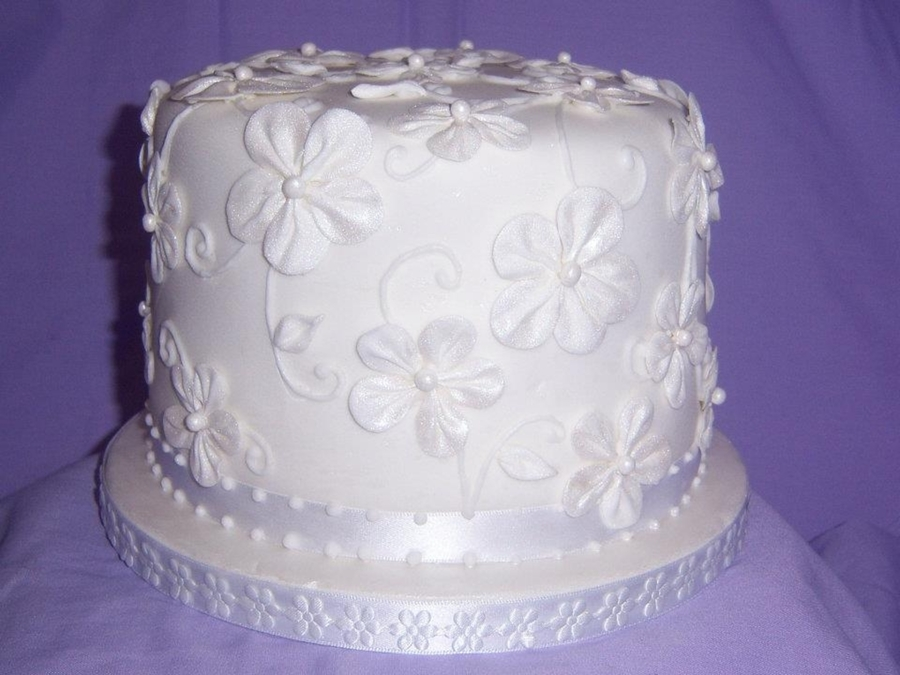 White Flower Cake on Cake Central